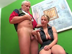 Older German guy gets handjob from blonde
