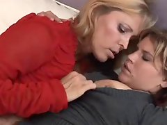 Mature lesbians kissing and fingering pussies