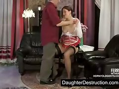 Daddy likes to violates young girl