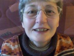mamie 76 ans aime la bite
