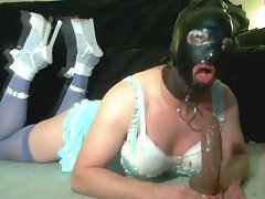 brutal gagging in latex mask and extreme high heels